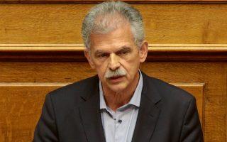 Ο βουλευτής  του Ποταμιού Σπύρος Δανέλλης μιλά στην ολομέλεια της Βουλής κατά την συζήτηση του νόμου για το μεταναστευτικό , Τρίτη 15 Μαΐου 2018.  Πραγματοποιήθηκε στην ολομέλεια της Βουλής συζήτηση και ψήφιση επί της αρχής, των άρθρων και του συνόλου του σχεδίου νόμου: «Προσαρμογή της ελληνικής νομοθεσίας προς τις διατάξεις της Οδηγίας 2013/33/ΕΕ του Ευρωπαϊκού Κοινοβουλίου και του Συμβουλίου της 26ης Ιουνίου 2013, σχετικά με τις απαιτήσεις για την υποδοχή των αιτούντων διεθνή προστασία (αναδιατύπωση, L180/96/29.6.2013) και άλλες διατάξεις - Τροποποίηση του ν.4251/2014 (Α΄80) για την προσαρμογή της ελληνικής νομοθεσίας στην Οδηγία 2014/66/ΕΕ της 15ης Μαΐου 2014 του Ευρωπαϊκού Κοινοβουλίου και του Συμβουλίου σχετικά με τις προϋποθέσεις εισόδου και διαμονής υπηκόων τρίτων χωρών στο πλαίσιο ενδοεταιρικής μετάθεσης - Τροποποίηση διαδικασιών ασύλου και άλλες διατάξεις». ΑΠΕ-ΜΠΕ/ΑΠΕ-ΜΠΕ/Παντελής Σαίτας