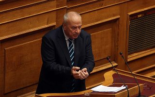 Ο βουλευτής της Δημοκρατικής Συμπαράταξης Λεωνίδας Γρηγοράκος  μιλά στη σημερινή συζήτηση επίκαιρων ερωτήσεων στην Ολομέλεια της Βουλής, Παρασκευή 7 Ιουλίου 2017. ΑΠΕ-ΜΠΕ/ΑΠΕ-ΜΠΕ/Αλέξανδρος Μπελτές