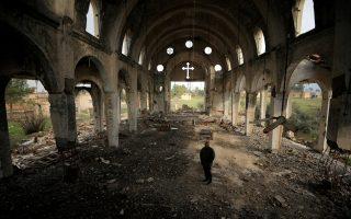 Κατεστραμμένες χριστιανικές εκκλησίες, όπως αυτή της Παρθένου Μαρίας στο χωριό Tel Nasri, υπάρχουν σε όλη τη Συρία