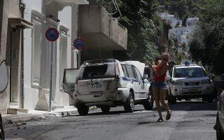 Οι επιθέσεις στην οικία του κ. Αλέκου Φλαμπουράρη «έγιναν θέμα» και από τον ίδιο και από όλα τα κόμματα.