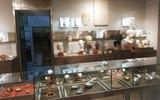 Μετά την ανακαίνιση του πωλητηρίου του ΕΑΜ, σειρά έχουν αυτό της Ακρόπολης, αλλά και το μικρό του Ολυμπιείου. Ωθηση θα δοθεί και στα εργαστήρια Θεσσαλονίκης, ενώ θα ακολουθήσουν των Κρήτης, Ρόδου, Ολυμπίας, Δελφών.