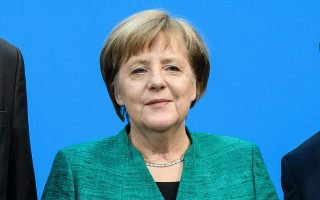 «Η Ελλάδα και η Γερμανία έχουν στενούς δεσμούς τόσο μέσω πλήθους διμερών σχέσεων, όσο και ως εταίροι στην Ε.Ε. και στο ΝΑΤΟ», αναφέρει στη δήλωσή της η Γερμανίδα καγκελάριος.