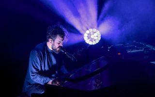 O Τheodore από την παρουσίαση του νέου δίσκου στο Fuzz τον περασμένο Νοέμβριο. Το πιάνο είναι τις περισσότερες φορές η αρχή των συνθέσεών του.