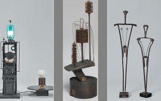 Αριστερά, τo έργο του Takis «Telelumiere 4» (1963-64), που θα παρουσιαστεί στην έκθεση της Tate Modern. Δεξιά, το έργο «Oedipus and Antigone» (1953) και αριστερά το «Electronic Flower» (1957).