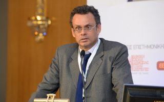 «Από συνταγματική άποψη, αρκεί η πλειοψηφία για να περάσει η συμφωνία των Πρεσπών», αναφέρει ο συνταγματολόγος Ξεν. Κοντιάδης.