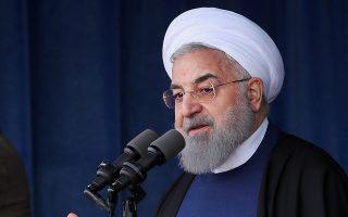 Ο Ιρανός πρόεδρος Χασάν Ροχανί ανακοινώνει ότι η χώρα θα εκτοξεύσει δορυφόρο.