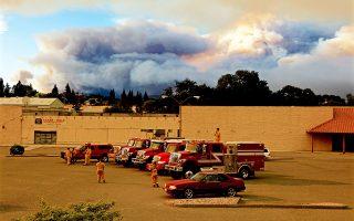 Οι αρχές της πολιτείας της Καλιφόρνιας πραγματοποιούν έρευνες για τον βαθμό που οι πυρκαγιές προκλήθηκαν από βραχυκύκλωμα ή άλλη βλάβη στα δίκτυα ηλεκτροδότησης της εταιρείας.