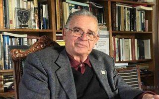 Ο Σ. Ι. Καργάκος συνέγραψε πάνω από 100 βιβλία για γλωσσικά, πολιτικά και ιστορικά θέματα.