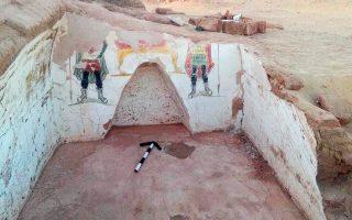 Πολύχρωμες ταφικές τοιχογραφίες εντοπίστηκαν στους δύο τάφους που βρέθηκαν στην όαση Ντάχλα στη Δυτική Ερημο της Αιγύπτου.