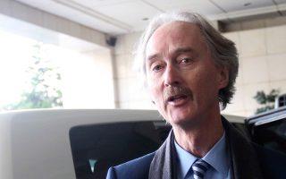 O ειδικός απεσταλμένος του ΟΗΕ για τη Συρία Γκέιρ Πέντερσεν κατά την άφιξή του στη Δαμασκό.