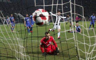 Ο ΠΑΟΚ επικράτησε με άνεση του ΟΦΗ με 4-0 και αύριο υποδέχεται τον ΠΑΣ πριν ακολουθήσουν τα δύο ντέρμπι που θα κρίνουν τον τίτλο.