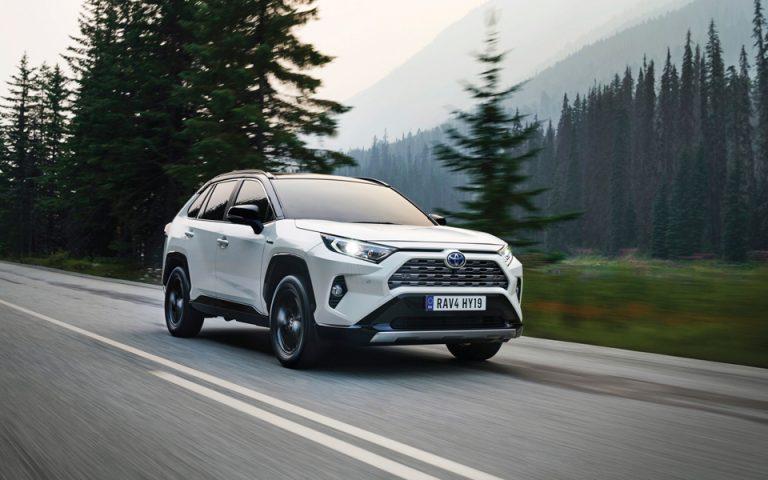 Αποστολή στη Βαρκελώνη: Νέο Toyota RAV4 Hybrid, ένα SUV «παντός καιρού»