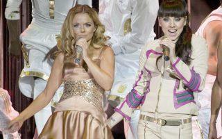 Δύο από τις Spice Girls επί σκηνής το 2007. Το συγκρότημα θα επανασυνδεθεί για περιοδεία φέτος στη Βρετανία.