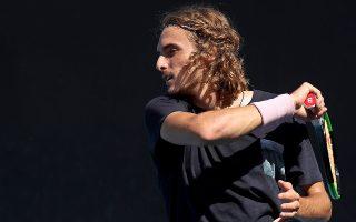 Αίσθηση προκάλεσε στο παγκόσμιο τένις η νίκη του Στέφανου Τσιτσιπά επί του ζωντανού θρύλου του αθλήματος, Ρότζερ Φέντερερ. Ο Ελληνας τενίστας έγινε ο πρώτος που πέρασε στην 8άδα ενός γκραν σλαμ.
