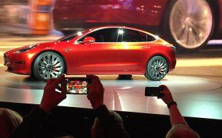Με τιμή πώλησης 44.000 δολάρια, το Model 3 αποτελεί το πιο οικονομικό μοντέλο που προσφέρει η αμερικανική εταιρεία.