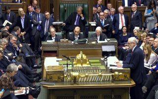 Ο Τζέρεμι Κόρμπιν κατέθεσε τροπολογία που ζητεί από την κυβέρνηση να προσανατολιστεί σε άλλες λύσεις, πλην της άτακτης εξόδου.