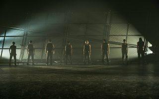 H πρώτη συνεργασία του Μπαλέτου της Εθνικής Λυρικής Σκηνής με τον σπουδαίο Ισπανό χορογράφο Νάτσο Ντουάρτο δημιουργεί μια παραγωγή με τίτλο «Σκουριά» (Herrumbre).