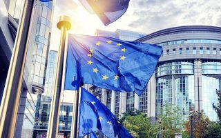 Η κυβέρνηση έχει προκρίνει την πρόταση του ΤΧΣ που επεξεργάστηκε η JP Morgan της οποίας η οριστικοποίηση εκκρεμεί προκειμένου να αποσταλεί στη Διεύθυνση Ανταγωνισμού της Ε.Ε. προς έγκριση. Σύμφωνα με χθεσινές δηλώσεις του υπουργού Οικονομικών Ευκλείδη Τσακαλώτου, το σχέδιο θα αποσταλεί στην DGComp τις προσεχείς εβδομάδες.