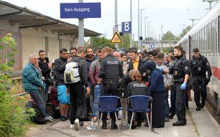Η συμβολή των προσφύγων και μεταναστών στη δημογραφική αναζωογόνηση της Γερμανίας δεν επαρκεί για να ανακόψει τη γήρανση.