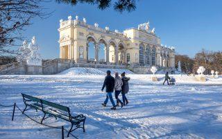 Οι κήποι του ανακτόρου Schönbrunn είναι από τα πιο σημαντικά αξιοθέατα της Βιέννης. (Φωτογραφία: VISUALHELLAS.GR)