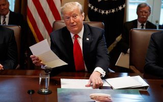 Η απόφαση του Αμερικανού προέδρου Ντόναλντ Τραμπ για απόσυρση των αμερικανικών δυνάμεων από τη Συρία ενθάρρυνε μια σειρά από χώρες να ενισχύσουν την παρουσία τους, εκμεταλλευόμενες το κενό ασφαλείας που θα αφήσει η Αμερική.