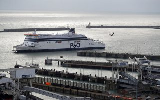 Δοκιμές εκτάκτων δρομολογίων στο λιμάνι του Ντόβερ. Reuters