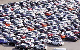 Μόνο τον Δεκέμβριο, οι πωλήσεις αυτοκινήτων διολίσθησαν κατά 13%, σύμφωνα με στοιχεία της Ενωσης Κατασκευαστών Αυτοκινήτου της Κίνας. Δυσοίωνη είναι, επίσης, η προοπτική ανάκαμψης το 2019 για μία από τις μεγαλύτερες αγορές αυτοκινήτου στον κόσμο.
