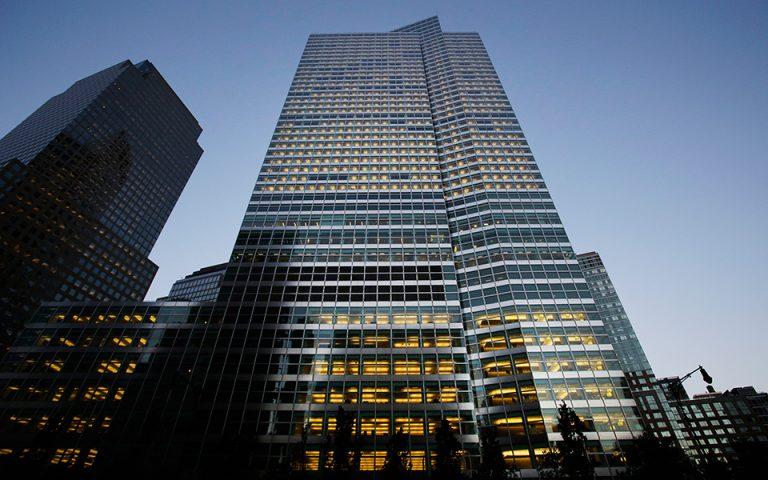 Goldman Sachs: Πιο πιθανή μια ηπιότερη μεταγενέστερη έξοδος της Βρετανίας από την Ε.Ε.