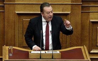 Ο υφυπουργός Αγροτικής Ανάπτυξης Βασίλης Κόκκαλης μιλάει στη σημερινή τρίτη ημέρα συζήτησης στην Ολομέλεια της Βουλής του Προϋπολογισμού του 2017, Αθήνα, την Πέμπτη 08 Δεκεμβρίου 2016.  ΑΠΕ-ΜΠΕ/ΑΠΕ-ΜΠΕ/ΣΥΜΕΛΑ ΠΑΝΤΖΑΡΤΖΗ