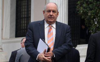 Ο υφυπουργός Αθλητισμού Σταύρος Κοντονής (Δ) και ο υφυπουργός Επικρατείας για τον Συντονισμό του Κυβερνητικού Έργου Τέρενς Κουίκ (Α) αποχωρούν από το Μέγαρο Μάξιμου μετά την συνάντηση που είχαν με τον πρωθυπουργό Αλέξη Τσίπρα, Τετάρτη 4 Μαρτίου 2015. ΑΠΕ-ΜΠΕ / ΑΠΕ-ΜΠΕ/ ΑΛΕΞΑΝΔΡΟΣ ΒΛΑΧΟΣ ΑΠΕ-ΜΠΕ/ΑΠΕ-ΜΠΕ/ΑΛΕΞΑΝΔΡΟΣ ΒΛΑΧΟΣ