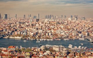 Οι ουρανοξύστες στο Levent άλλαξαν τον ορίζοντα της πόλης. (Φωτογραφία: Murat Tueremis/laif)