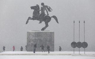 o-kairos-ti-pempti-se-makedonia-kai-thraki-chionoptoseis-sta-oreina-vroches-stis-thalassies-perioches0