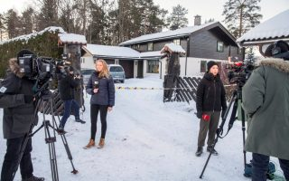 Members of the media work outside the house of Norwegian Anne-Elisabeth Falkevik Hagen, who is the wife of real estate investor Tom Hagen, and has been kidnapped according to local media, in Fjellhamar, Norway January 9, 2019. Ole Berg-Rusten/NTB Scanpix/via REUTERS   ATTENTION EDITORS - THIS IMAGE WAS PROVIDED BY A THIRD PARTY. NORWAY OUT. NO COMMERCIAL OR EDITORIAL SALES IN NORWAY.