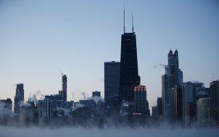 Την πιο παγωμένη ημέρα της ιστορίας του βίωσε χθες το Σικάγο. Κι αυτό είναι συνέπεια της κλιματικής αλλαγής.