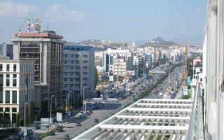 Το α΄ 6μηνο του 2018, οι τιμές των γραφείων στην περιοχή της Αττικής εκτινάχθηκαν κατά 8,4% σε ετήσια βάση. Σε πανελλαδικό επίπεδο, η ετήσια αύξηση ήταν 7,4%, με την άνοδο να διαμορφώνεται σε 7,1% στην υπόλοιπη Ελλάδα και κατά 2,6% στη Θεσσαλονίκη.