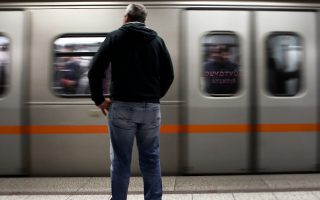 stis-16-30-m-m-tha-kleisei-o-stathmos-toy-metro-syntagma0