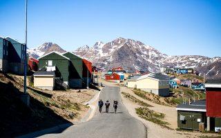 Η μικρή πόλη Tasiilaq, το πιο πολυπληθές οικιστικό σύνολο της ανατολικής ακτής. (Φωτογραφία: Aningaaq R Carlsen/Visit Greenland)
