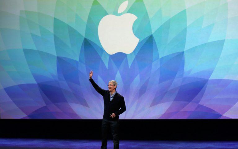 Ο Τιμ Κουκ της Apple θέλει να δώσει τον έλεγχο των δεδομένων στους χρήστες