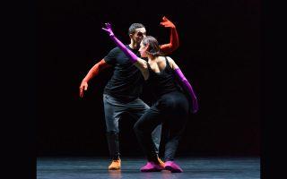 """«Στη σκηνή οι χορευτές νιώθουν πολύ άνετα όταν υπάρχει ησυχία. Συντονίζονται με τη σιωπή και επάνω της """"κουρδίζουν"""" την κίνησή τους», λέει ο εμβληματικός χορογράφος για την παράσταση «A quiet evening of dance», που θα φιλοξενηθεί στη Στέγη."""