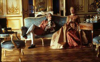 «Επικίνδυνες σχέσεις». Η φημισμένη κινηματογραφική διασκευή του 1989 από τον Στίβεν Φρίαρς, με τους Τζον Μάλκοβιτς και Γκλεν Κλόουζ.