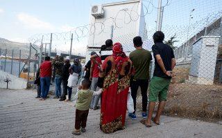Στο hotspot στο Βαθύ παραμένουν 3.685 πρόσφυγες και μετανάστες, ενώ η εγκατάσταση που υπάρχει δεν χωράει περισσότερα από 650 άτομα.