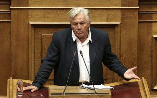 Ο κοινοβουλευτικός εκπρόσωπος των ΑΝΕΛ Θανάσης Παπαχριστόπουλος μιλάει στην Ολομέλεια της Βουλής στη συζήτηση σε επίπεδο αρχηγών κομμάτων, σχετικά με το περιεχόμενο της διαπραγμάτευσης μεταξύ κυβέρνησης και δανειστών για το κλείσιμο της τέταρτης αξιολόγησης, την οποία έχει ζητήσει η επικεφαλής της ΔΗΣΥ, Φώφη Γεννηματά, Τετάρτη 23 Μαΐου 2018.   ΑΠΕ-ΜΠΕ/ΑΠΕ-ΜΠΕ/ΣΥΜΕΛΑ ΠΑΝΤΖΑΡΤΖΗ
