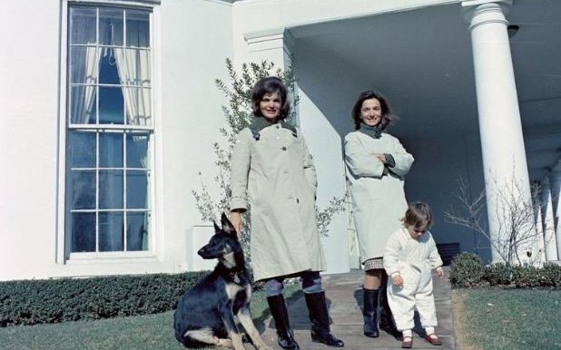 Πέθανε σε ηλικία 85 ετών η αδελφή της Τζάκι Κένεντι | Insider