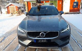 pagkosmia-paroysiasi-toy-neoy-volvo-v60-cross-country0