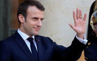 Ποτέ η Ενωμένη Ευρώπη δεν ήταν τόσο αναγκαία, αλλά και ποτέ δεν κινδύνευε τόσο πολύ, τονίζει στο άρθρο του ο Γάλλος πρόεδρος.
