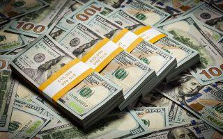 Οι αμερικανικές επιχειρήσεις χάνουν επιπλέον 1,4 δισ. δολάρια (1,24 δισ. ευρώ) τον μήνα εξαιτίας της ανισορροπίας που προκαλούν οι δασμοί στην προσφορά και στη ζήτηση, με αποτέλεσμα οι καταναλωτές να θεωρούν πως η τιμή πολλών προϊόντων είναι υπερβολικά υψηλή και να μην τα αγοράζουν.
