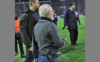 Ο Ιβάν Σαββίδης είχε εισβάλει στον αγωνιστικό χώρο της Τούμπας με όπλο στο ντέρμπι με την ΑΕΚ τον περασμένο Μάρτιο.