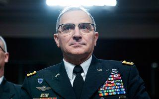 Ο επικεφαλής των αμερικανικών δυνάμεων στην Ευρώπη, στρατηγός Κέρτις Σκαπαρότι.