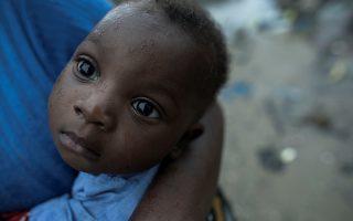 Πένθος. Επισήμως οι νεκροί είναι περίπου 200. Ο κυκλώνας Ιdaj που χτύπησε την Μοζαμβίκη άφησε πίσω του ανυπολόγιστες ζημιές, εκατοντάδες αγνοουμένους και τις εκτιμήσεις ότι οι νεκροί ίσως ξεπεράσουν τους 1.000. Πέρα από τις εκτιμήσεις αυτό που σίγουρα άφησε η καταστροφή πίσω της, είναι πένθος και μεγαλύτερη φτώχεια από πριν. Josh Estey/Care International via REUTERS