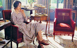 H ηθοποιός Νικόλ Κίντμαν υποδύεται –για την ερμηνεία της πήρε Οσκαρ Α΄ γυναικείου ρόλου– τη συγγραφέα Βιρτζίνια Γουλφ στην ταινία «Οι ώρες».
